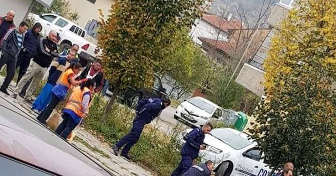 30-годишен мъж нападна със сатър полицейски патрул в Шумен. Инцидентът