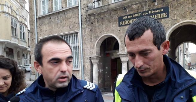 37-годишен полицейски служител пострада при обезоръжаване на психично болен мъж