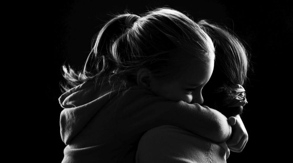 Разказът на майка, чието дете е отвлечено от бащата