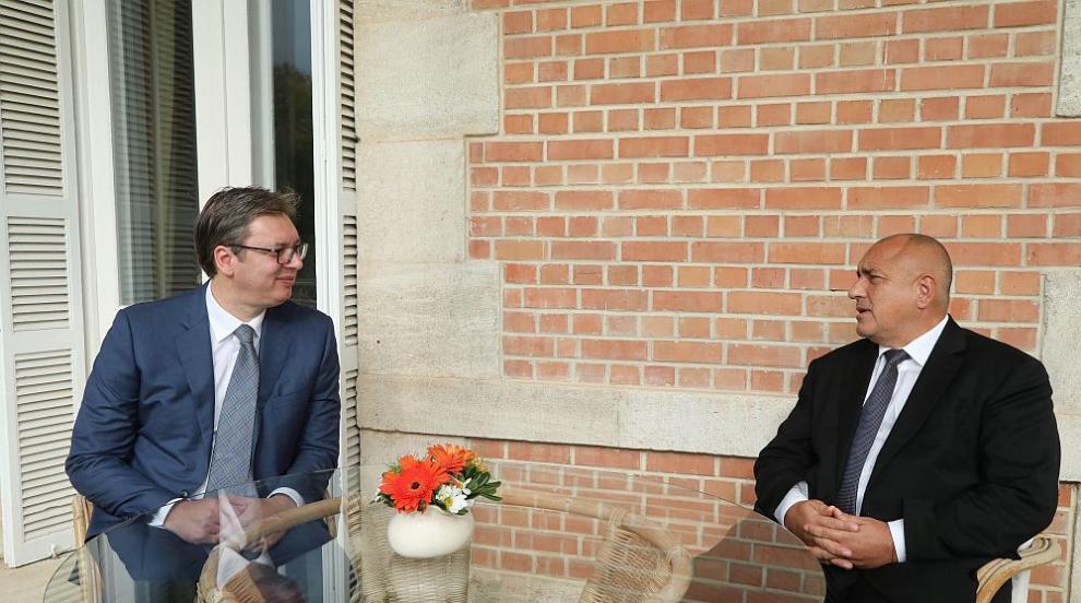 Вучич поздравява Борисов на български за откриването на магистралата до...