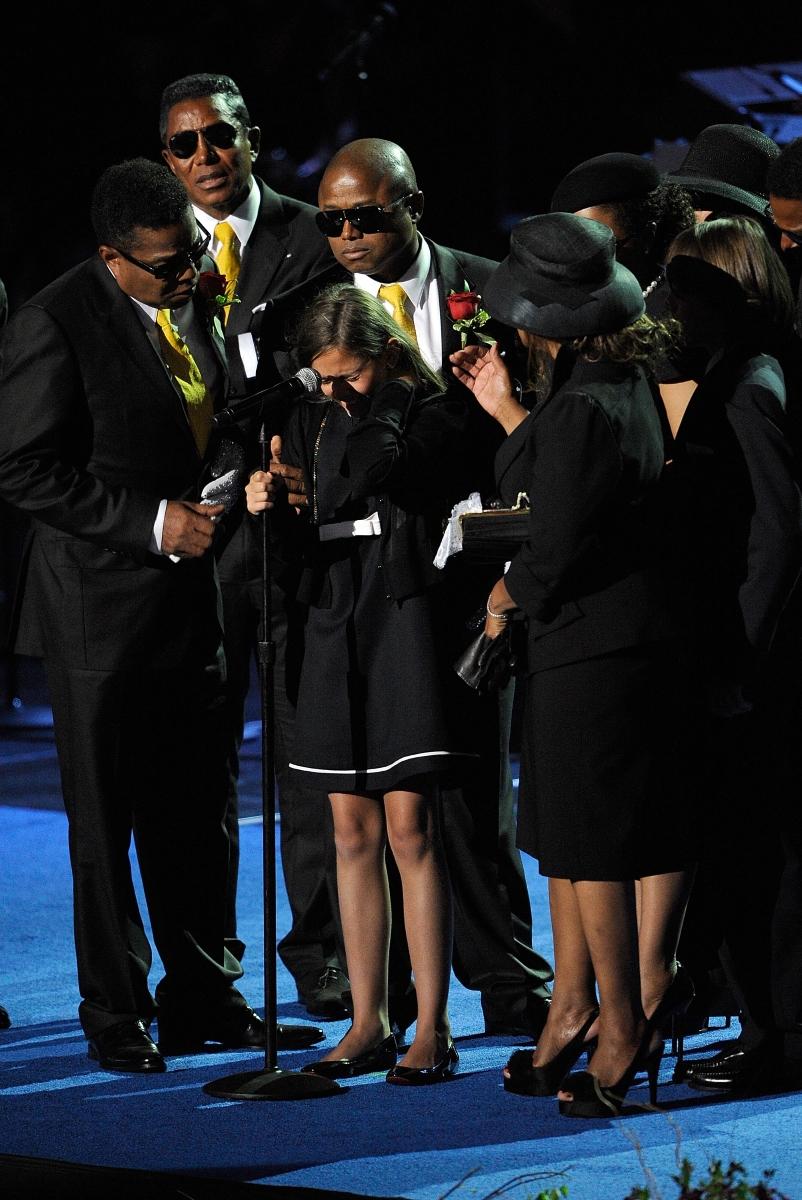 Погребалната служба на Майкъл Джексън. Тя е била гледана от 500 милиона души.