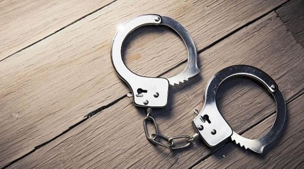 Арестуваха двама пияни шофьори с един автомобил