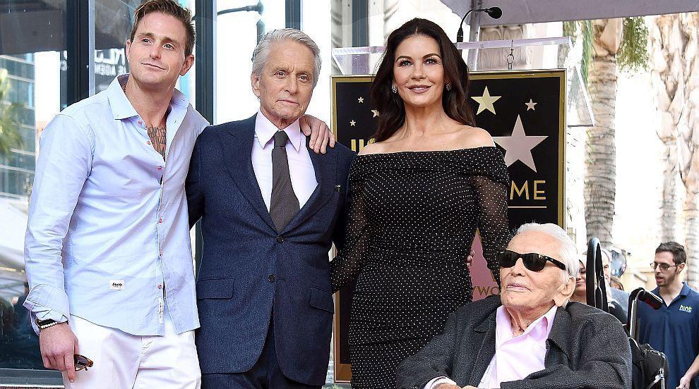 Кърк, Майкъл и Камерън: Алеята на славата събра три поколения от семейство...