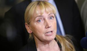 <p>Йончева: Оставка и Цветанов да напусне политиката</p>