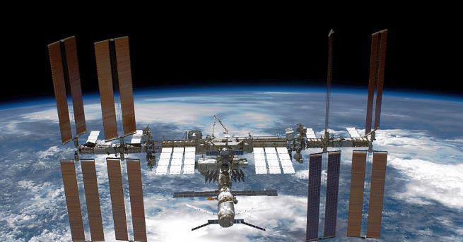 Работата на спрелия компютър на Международната космическа станция (МКС), чиито