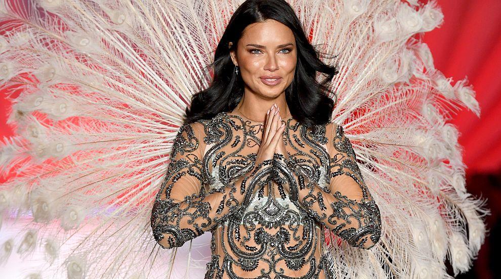 Със сълзи в очите един от най-красивите ангели на Victoria's Secret свали крилата...