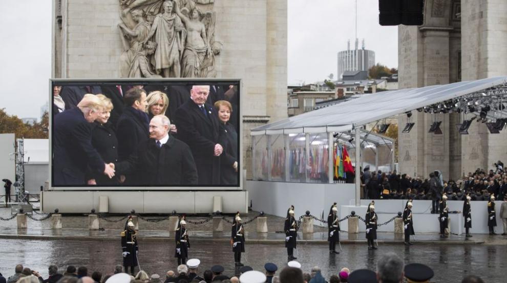 Тръмп и Путин водили импровизиран разговор в Елисейския дворец