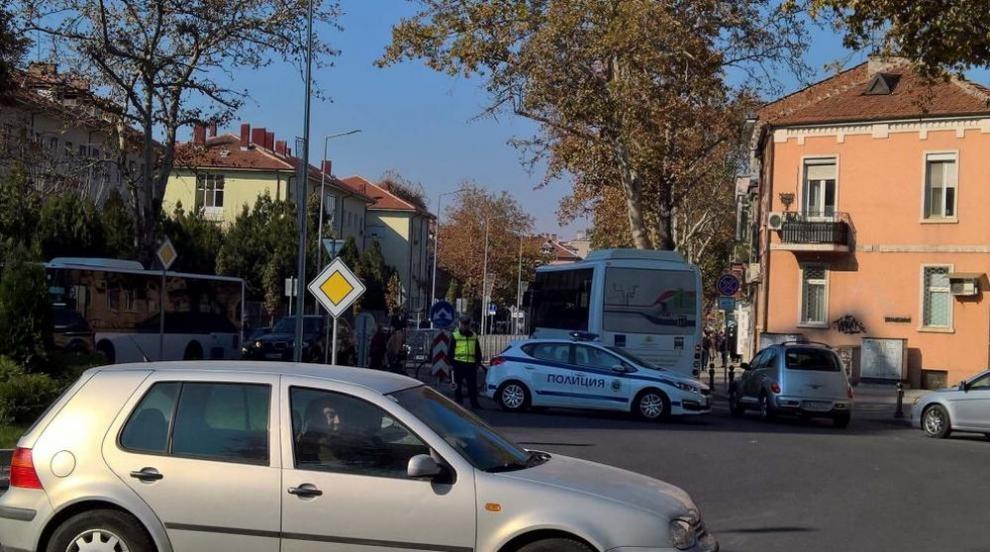Автобус блъсна възрастна жена на пешеходна пътека в Пловдив