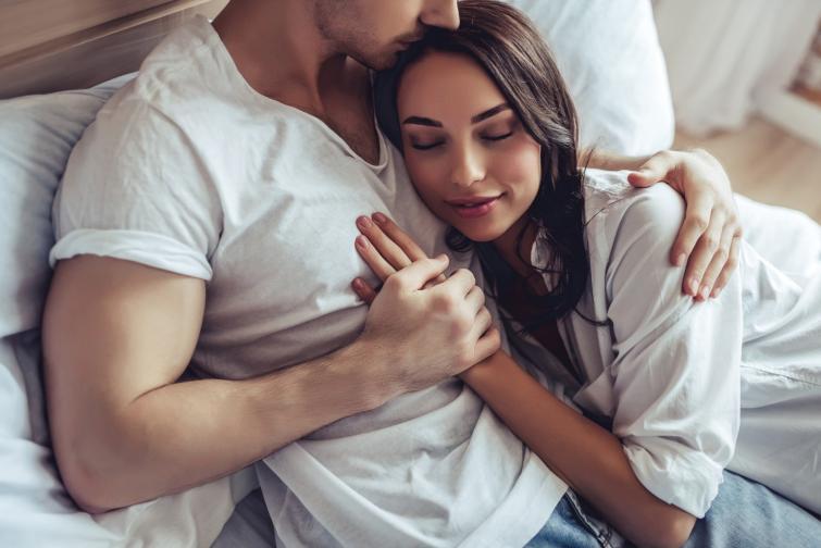 Близнаци<br /> Винаги се чудите дали може да направите нещо по‐добре от партньора си. Вие често мените настроението си, но не винаги споделяте това, което ви притеснява. Обещавате да направите нещо за партньора си, но забравяте. Отлагате до такава степен, че нещата никога не се свършват. Става ви скучно във връзката ви и е трудно някой да задържи интереса ви.<br />