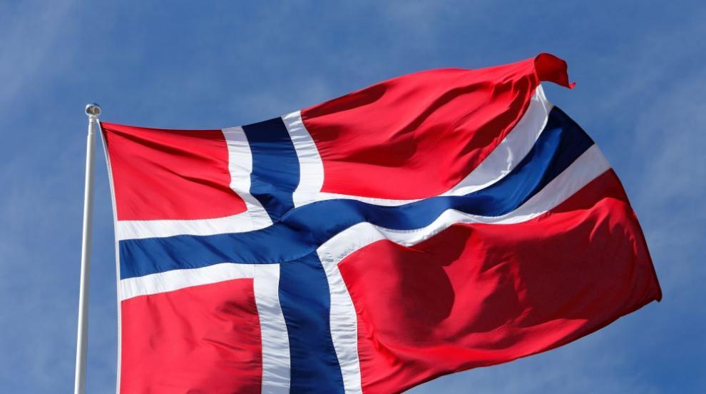Хиляди протестират в Норвегия срещу ограничаване на абортите