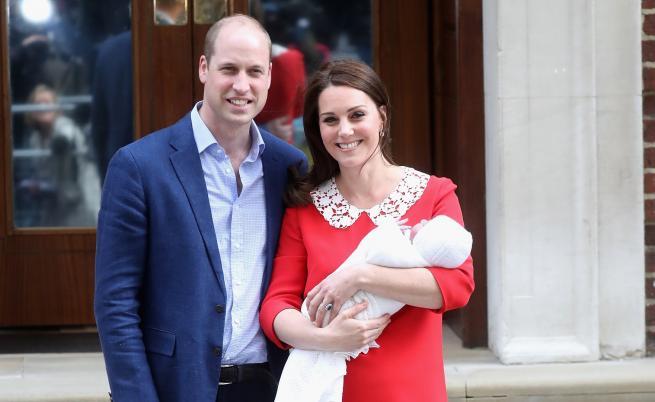 Нова кралска снимка с принц Луи разтопи сърцата