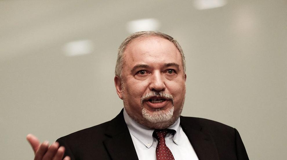 Израелският военен министър хвърли оставка заради примирието с Хамас