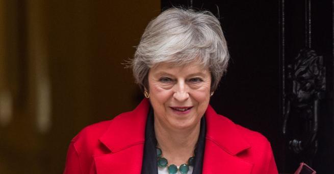 Британският премиер Тереза Мей предупреди британските депутати, че могат да
