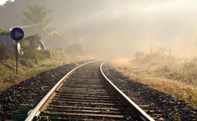 Запали се товарен влак