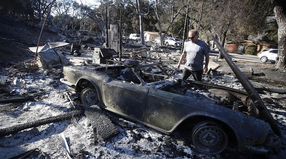 Развалини и пепел след пожарите в Калифорния (СНИМКИ)