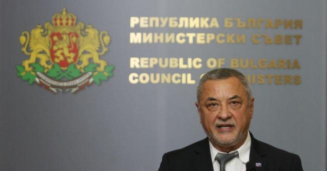 Подалият оставка вицепремиер Валери Симеонов взел решението да се оттегли