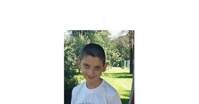 По молба на родителите полицията издирва 12-годишния Даниел Ангелов Дехтеров.