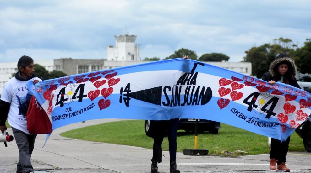 """Тридневен траур в Аржентина за жертвите от подводницата """"Сан Хуан"""""""