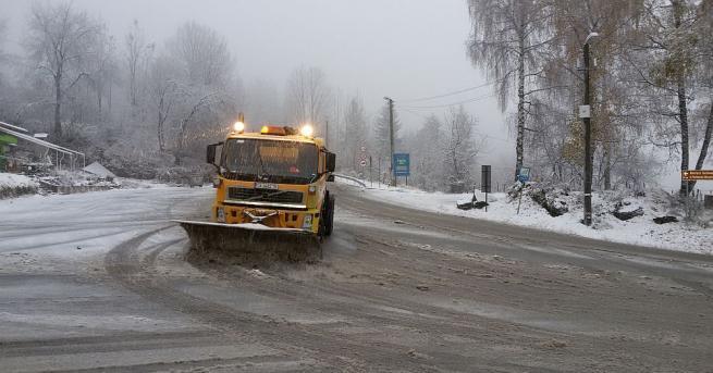Всички пътища в страната са проходими при зимни условия, съобщават