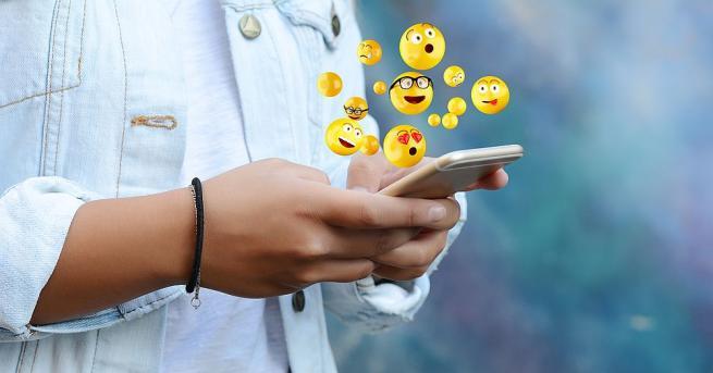 Изображенията на емоциите онлайн промениха начина, по който общуваме. Днес