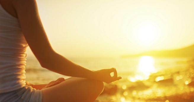 Учени от университета Махариши в Индия заключиха, че йога упражненията
