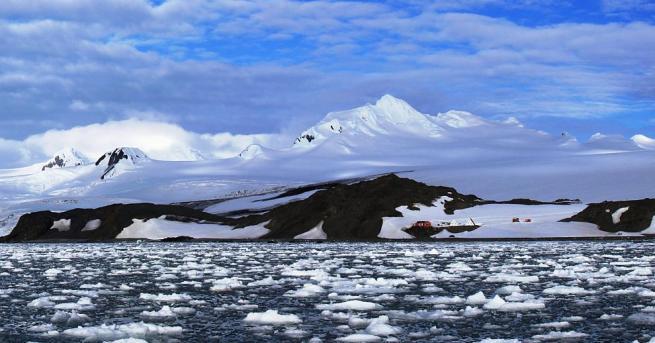 Българските полярници от първата група на 27-ата ни антарктическа експедиция