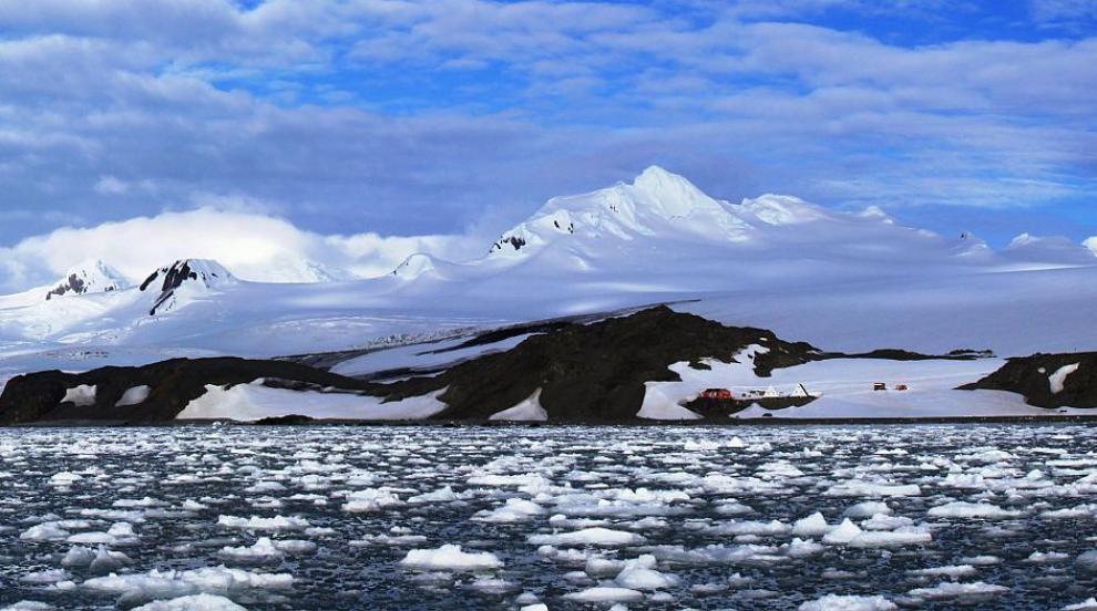 Българската антарктическа експедиция достигна остров Ливингстън (СНИМКА)