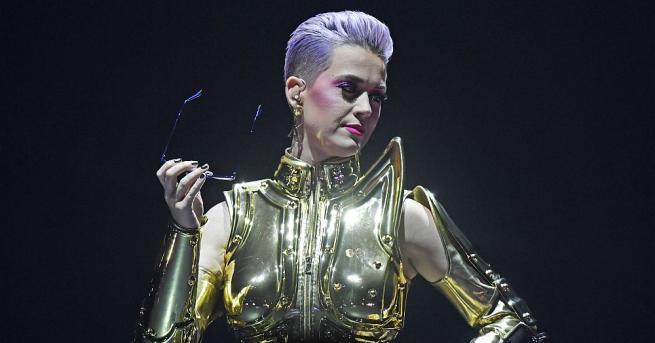 Американската певица Кейти Пери оглави класацията на сп.
