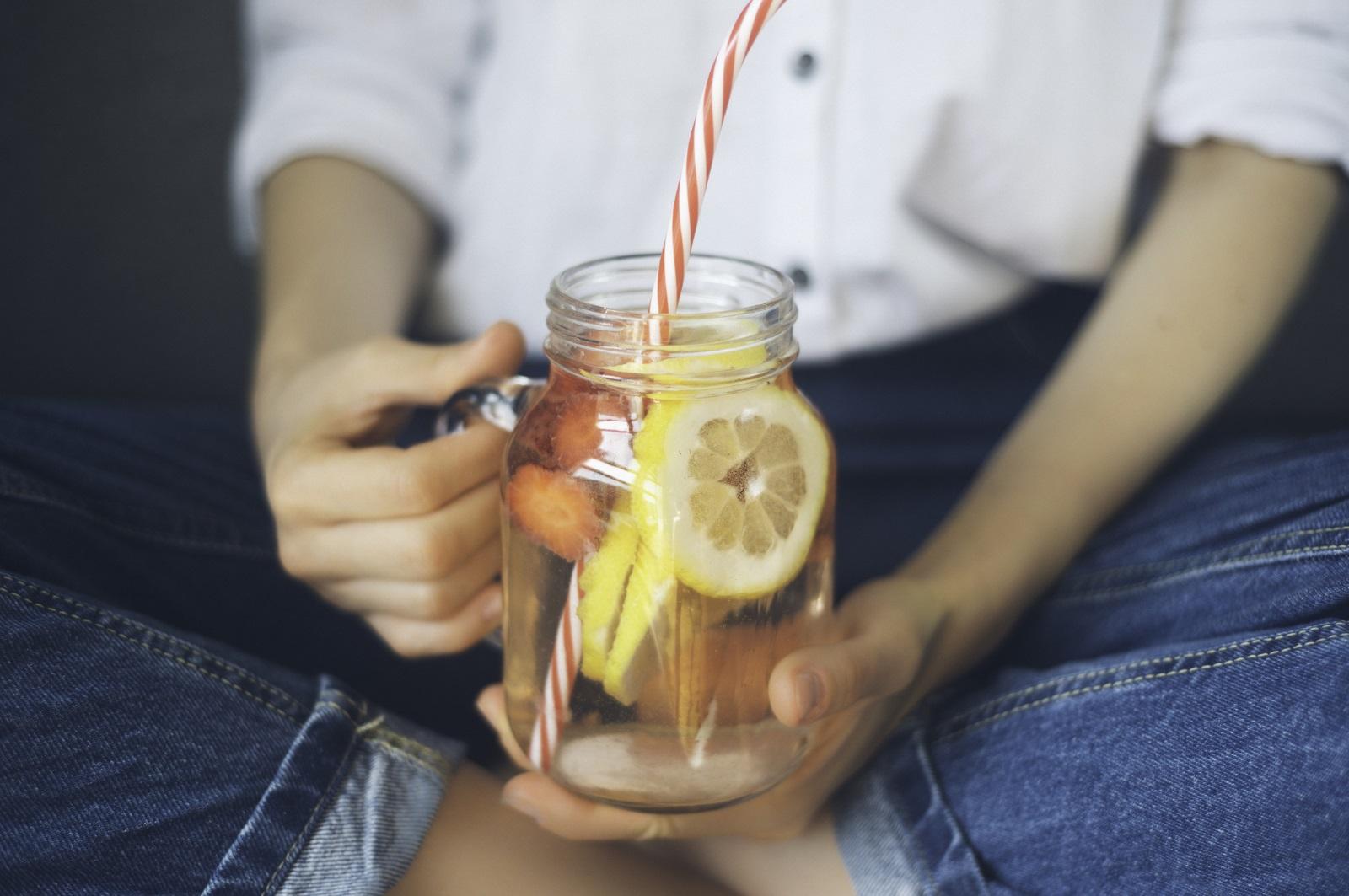 Загуба на килограми: Ако в продължение на 10 дни пиете само вода, ще отслабнете бързо, защото ще топите толкова калории, все едно тичате по 8 километра всеки ден.