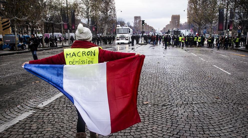 Десетки хиляди на протест в Париж срещу нов закон за инвитро оплождането...