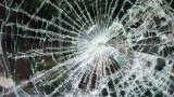 <p>Катастрофа между кола и училищен автобус, има пострадали</p>