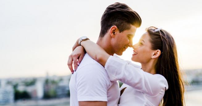 Влюбен устрои оригинално предложение за брак на избраницата си, като