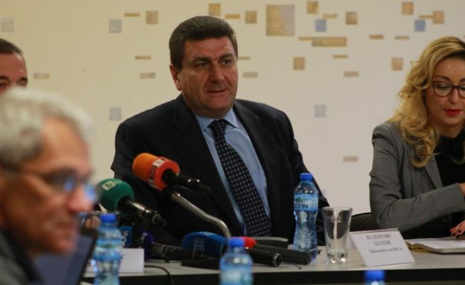 Валентин Златев: Картел за цените на горивата няма