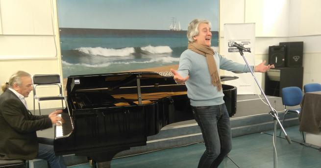 """Орлин Горанов за дуетите, музиката и новата си книга""""В дуетите"""