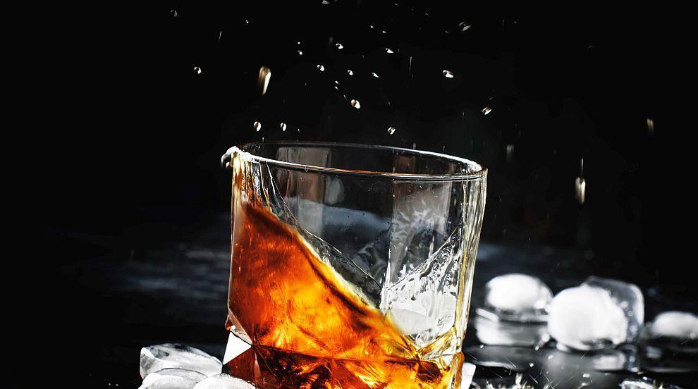 Тонове уиски изгоряха след удар от мълния