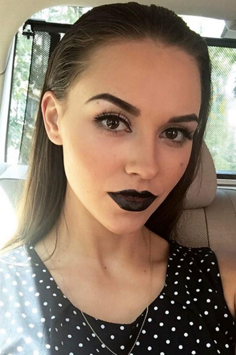 """Теодора Мудева е новата """"Мис България"""". Тя е на 17 години и е от Бургас. Занимава се със спортни танци."""