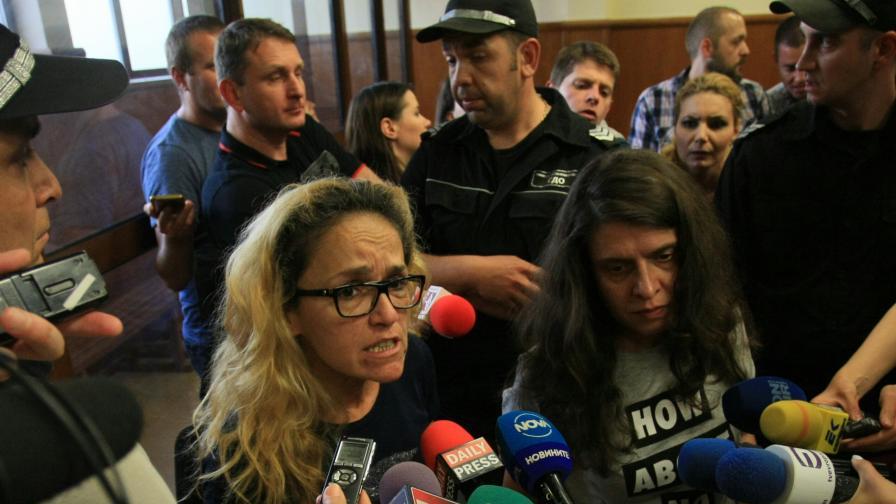 <p>Цачева свиква съвещание, Иванчева иска да присъства</p>