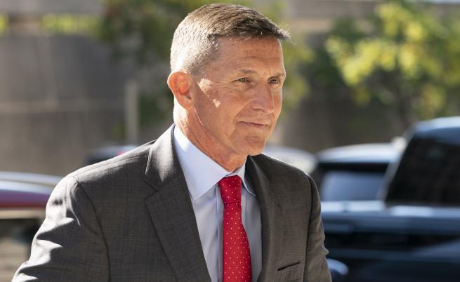 Прокурор препоръча бивш съветник на Тръмп да не влиза в затвора