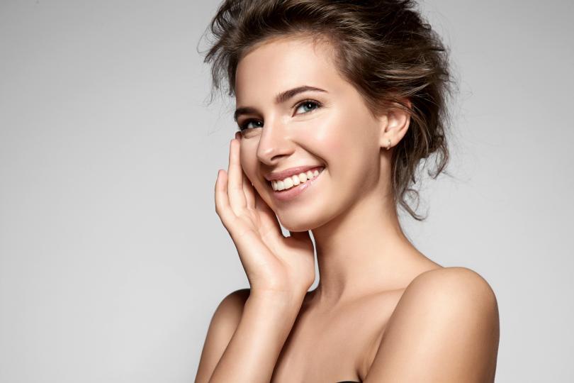 <p>Ангеликата се препоръчва за грижа за кожата. Тя съдържа вещества, като антиоксиданти и витамини, които са полезни за естественото лечение на различни кожни състояния.</p>