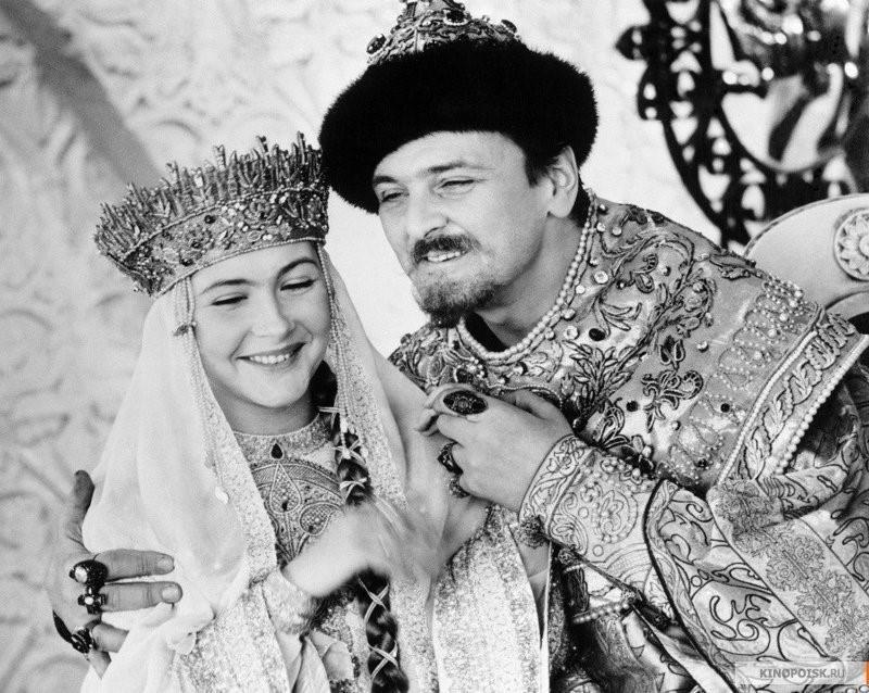 """Нина Маслова е родена на 27 ноември 1946 година в Рига.Два филма, които зрителят може да си спомни, са """"Афоня"""" и """"Иван Васильевич меняет профессию""""."""