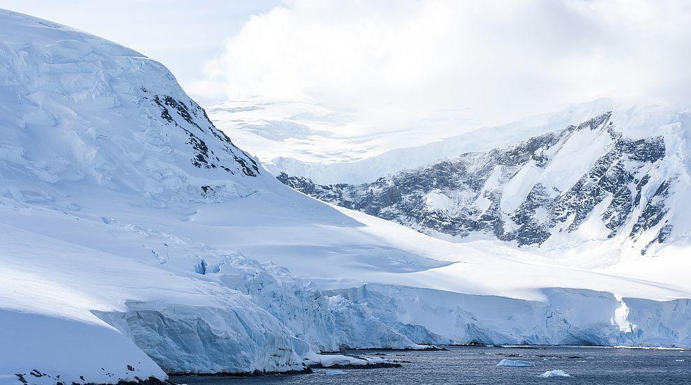 Човешкото въздействие върху Антарктида е по-голямо,...
