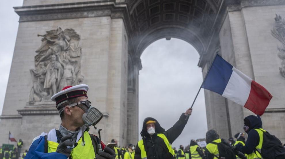 1220 души остават в ареста след протестите във Франция (ВИДЕО)