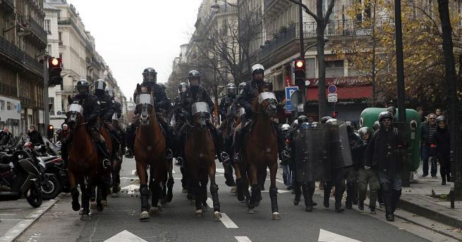 Френското правителство предложи днес по 300 евро бонус на полицаите,