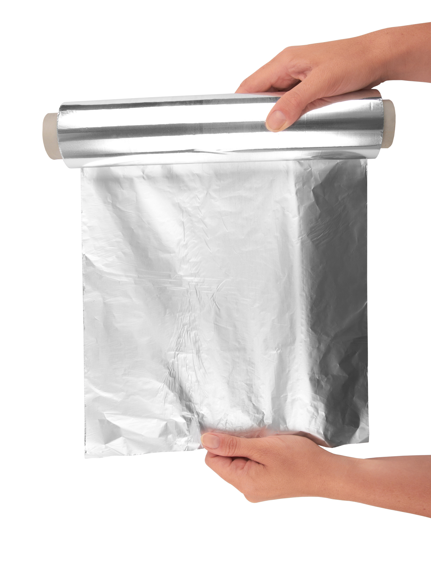 Алуминиево фолио.<br /> Всеки предмет, който има съдържание на метали, е опасен за микровълновата ви.