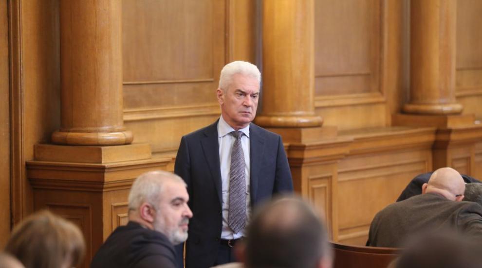 Сидеров подава оставка като депутат (ВИДЕО)