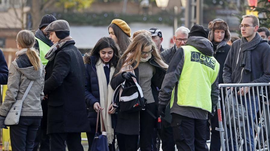 Продължава издирването на стрелеца от Страсбург