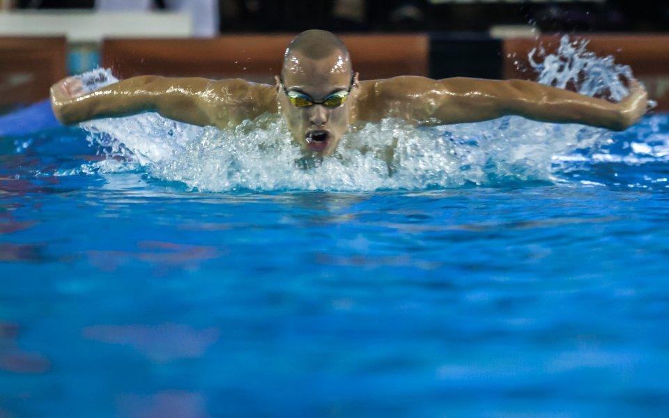 Антъни Иванов с допълнително плуване за влизане във финал