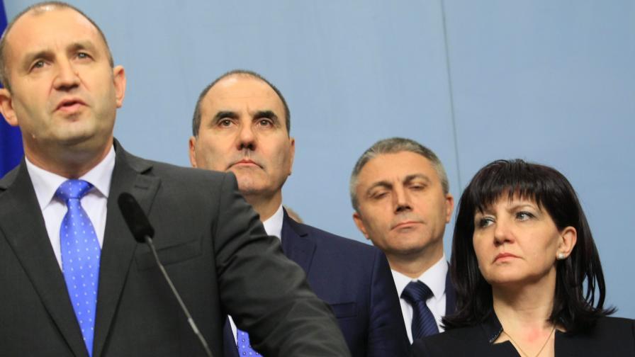 <p>Цветанов: Радев да&nbsp;каже как е финансирана кампанията му</p>
