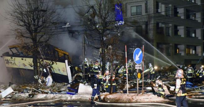 Над 40 души са пострадали при взрив в кафене в
