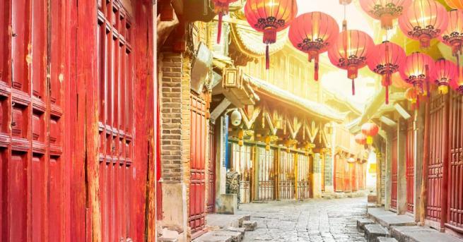 """Китайската икономическа инициатива """"Един пояс, един път"""" е създала над"""